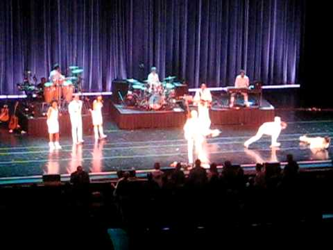 David Byrne - Once In A Lifetime (Live @ Radio City Music Hall on 02/28/09)