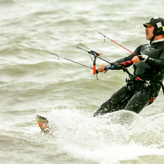 IT manager avoids the jams by kite-surfing to work