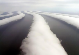 Puppies and Flowers : Strange ribbons of clouds over Hokkaido