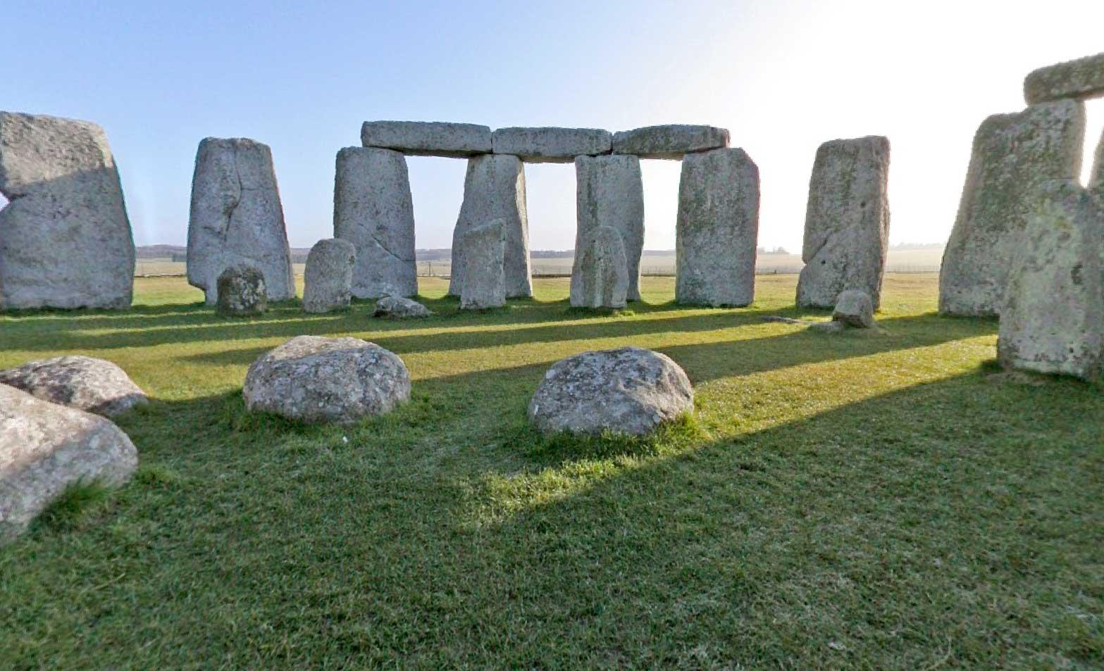 Interactive 360° panoramic of Stonehenge