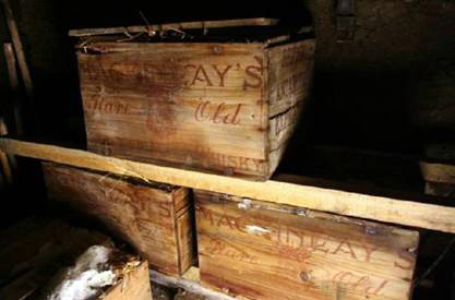 Century-old whisky found in Antarctic