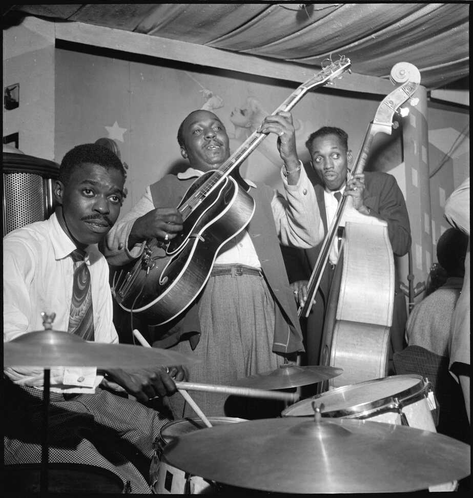 Portrait of Denzil Best, Al Casey, and John (O.) Levy, Pied Piper, New York, N.Y., between 1946 and 1948