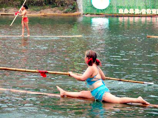 New sport, single bamboo cane water race