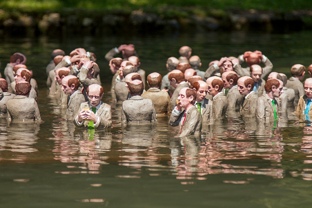 Isaac Cordal Follow the Leader 01