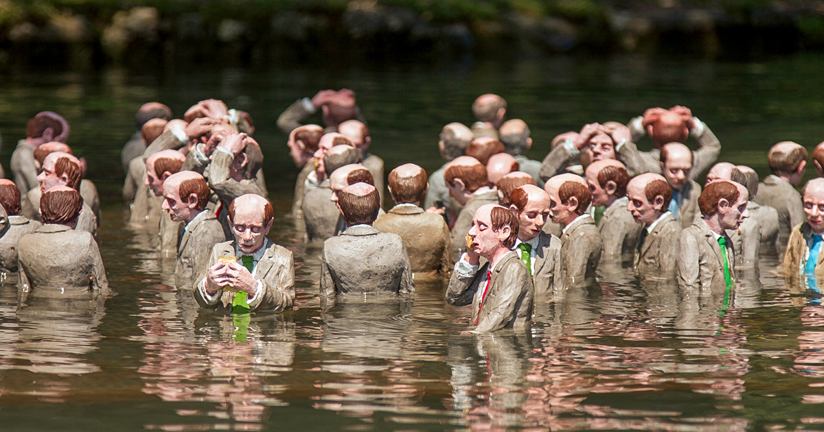 Isaac Cordal | Follow the Leader | Annecy, France 2019