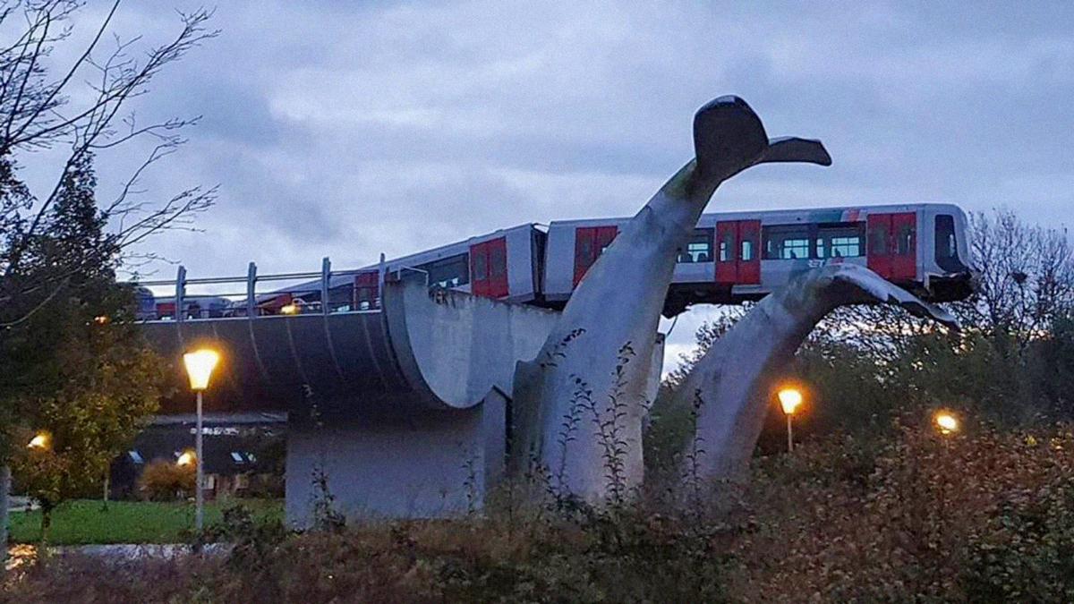 Rotterdam Train Derails Onto Whale Tails Art Installation. Photo