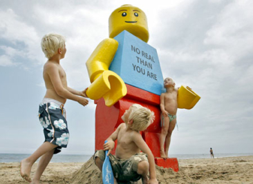 8ft tall Lego man washed up on Dutch beach